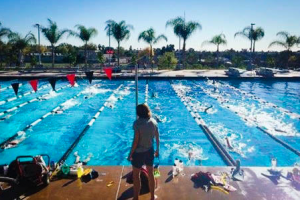 The men's and women's swimming and diving teams headed to sunny San Diego over the Winter Break to work on their strokes and enhance their team chemistry in preperation for their seasons. Courtesy of Vassar College Athletics