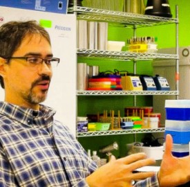Assistant Professor of Biology David Esteban is looking to the crowdfunding site, Experiment.com, to finance his current research on virology with assistant Maggie Ginoza '16. They hope to raise $4,500. Photo By: David Esteban