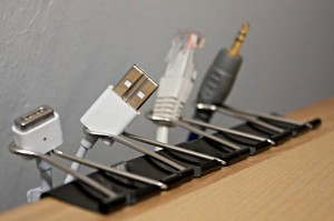 binder-clip-as-your-simple-cable-organizer
